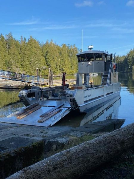 Lucky Lander Marine Services